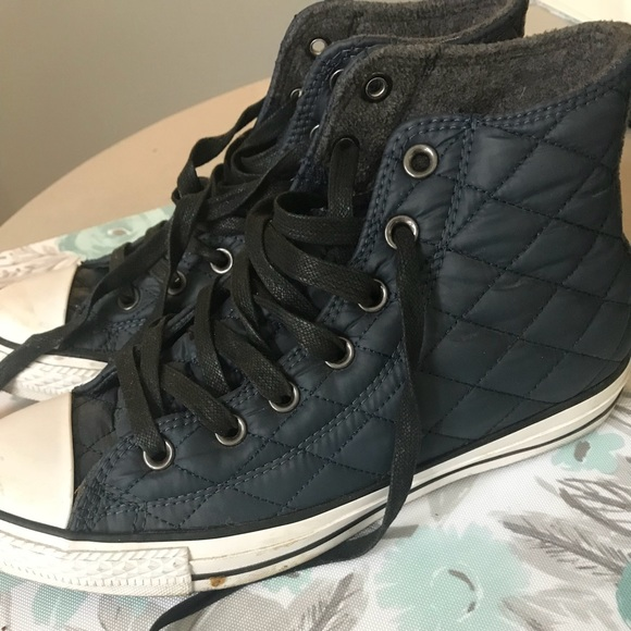 19925e33fd93 Converse Chuck Taylor Hi Quilted Nylon Shoes. M 5b8db0d3409c15f5aba29eb0